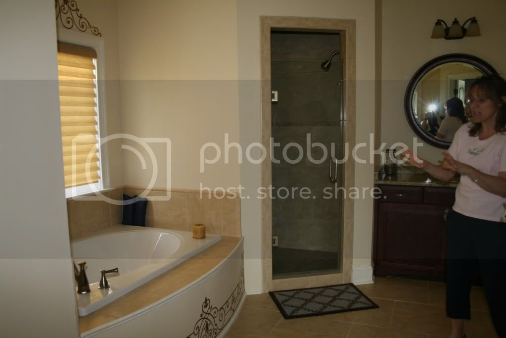 Angle View Stencilled Tub 1